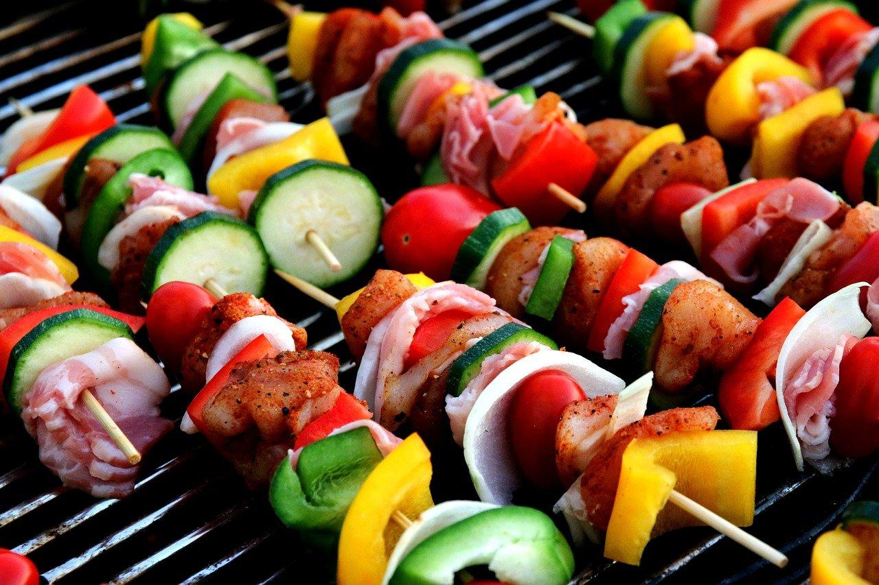 shish kebab, meat skewer, vegetable skewer-417994.jpg